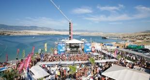 Papaya_club_@_Zrche_beach_day